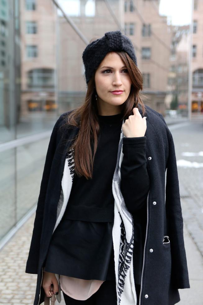 Winteroutfit Peplum Pullover und Stirnband