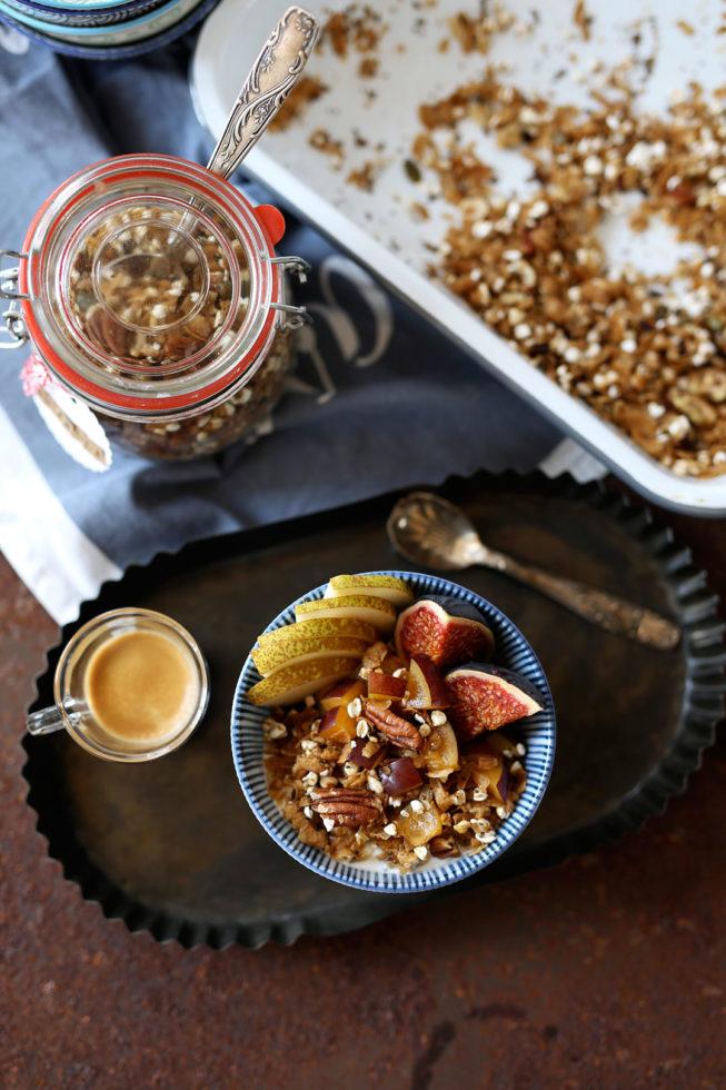 Herbstliches Granola mit Pecanusskernen und Kakaonibs, Rezept Herbstmüsli, Rezept Granola