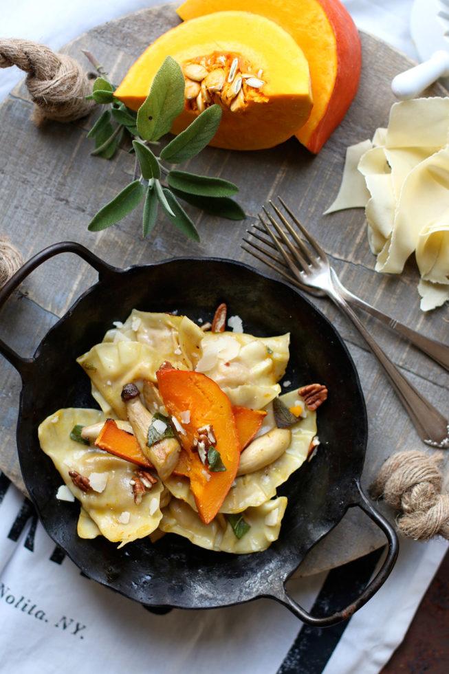 Kürbisravioli mit Salbei und Kräuterseitlingen