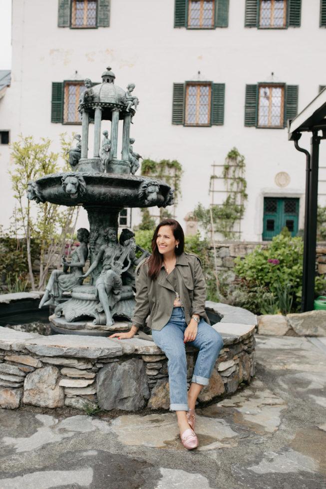 Brunnen im Innenhof auf Schloss Mittersill