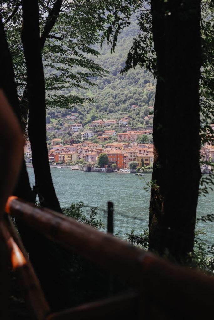 Blick von der Locanda dell'Isola am Comer See