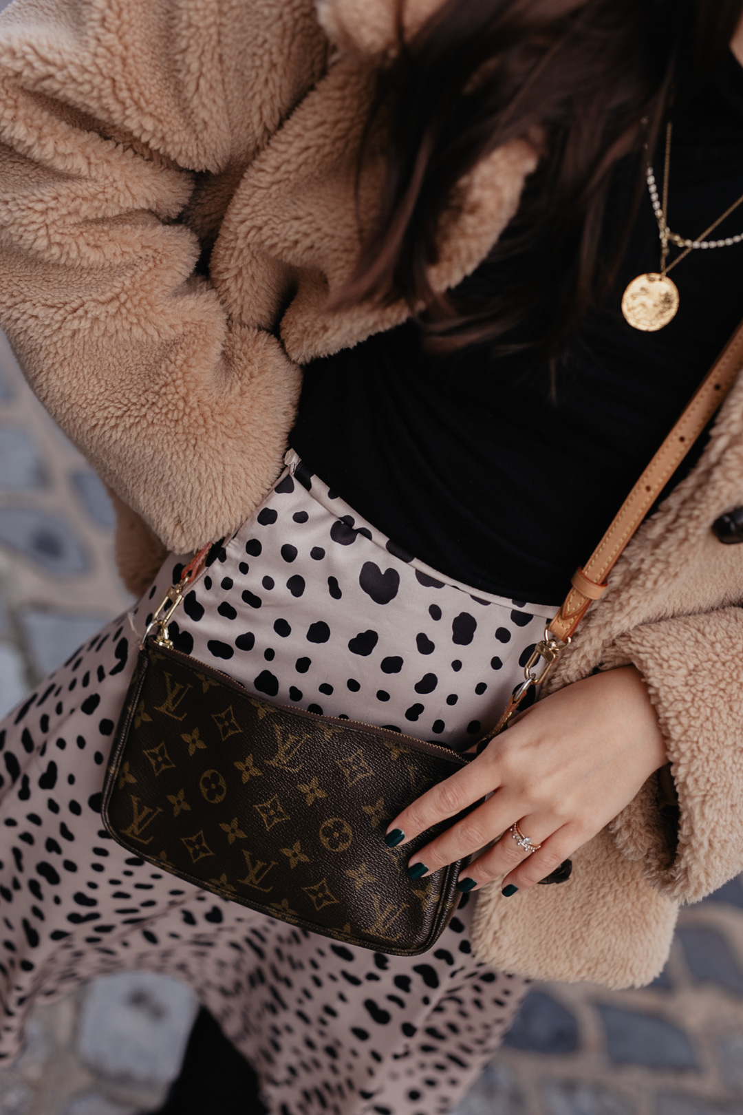 Winterlook mit Louis Vuitton Pochette // www.piecesofmariposa.com - Fashion & Lifestyleblog aus Nürnberg