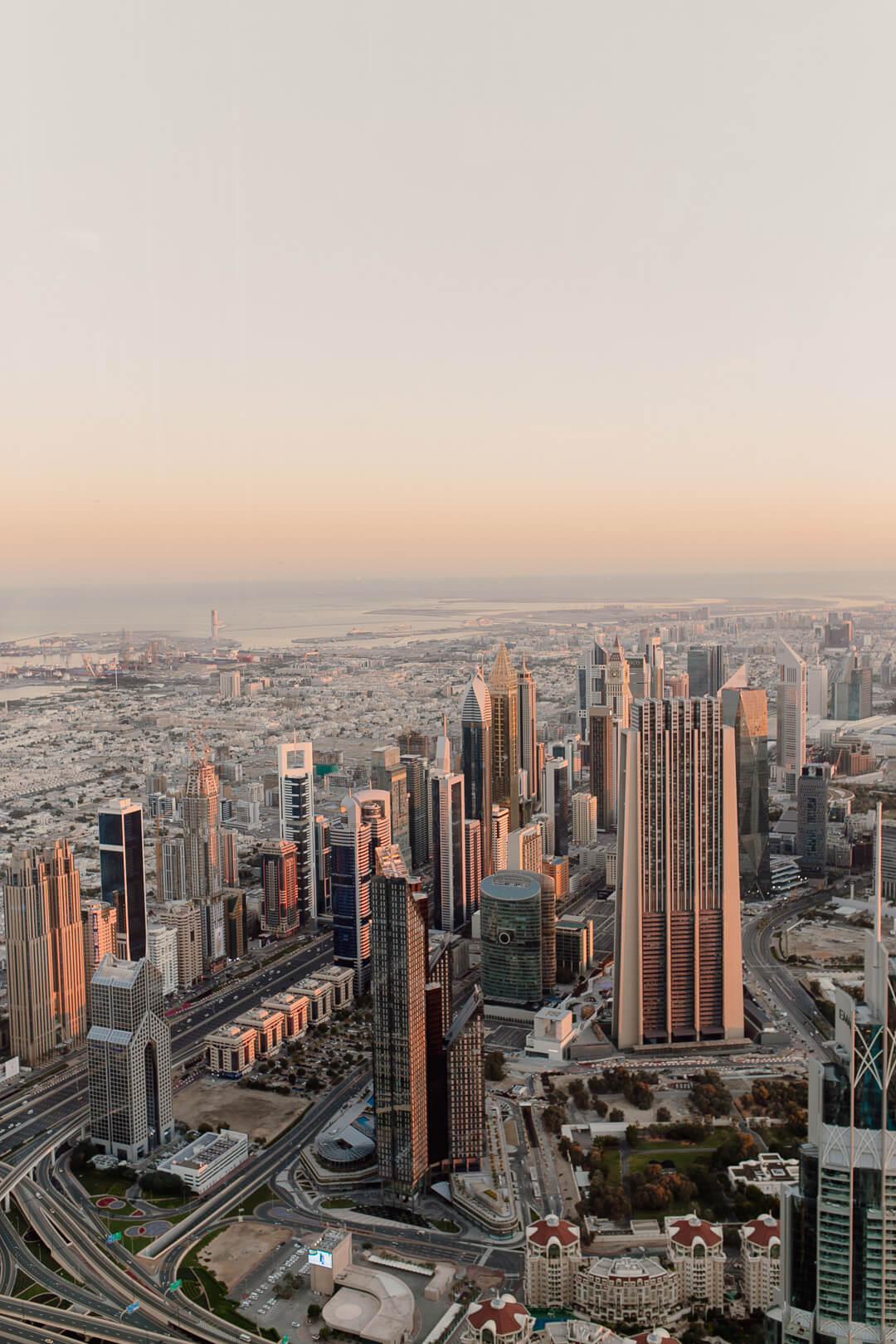 Sonnenaufgang vom Burj Khalifa - Pieces of Mariposa // Lifestyle Blog aus Nürnberg