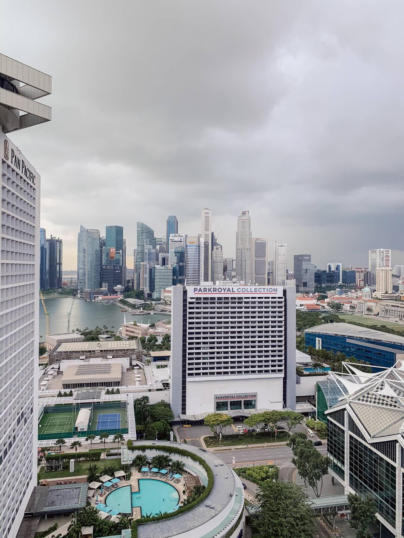 Blick aus dem Hotelzimmer im Conrad Centennial Singapur