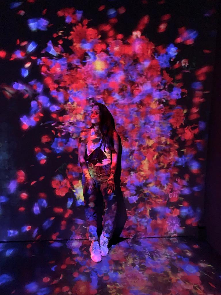 Lichtinstallation im ArtScience Museum in Singapur