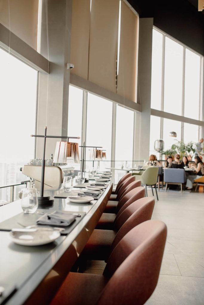 Mittagessen im Skai Singapur