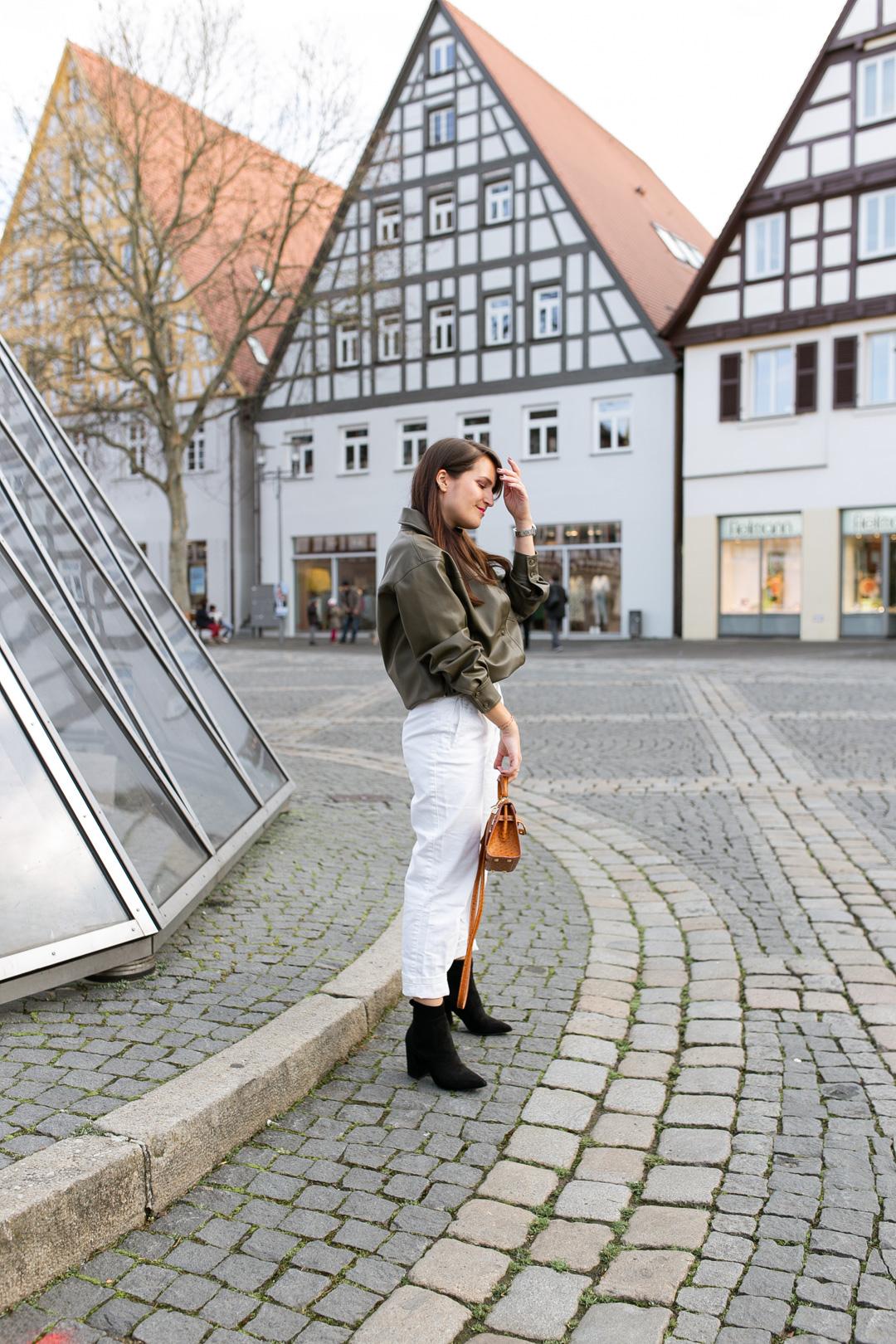 Outfit mit Hemdjacke aus Leder - Pieces of Mariposa / Fashion & Lifestyle Blog aus Nürnberg