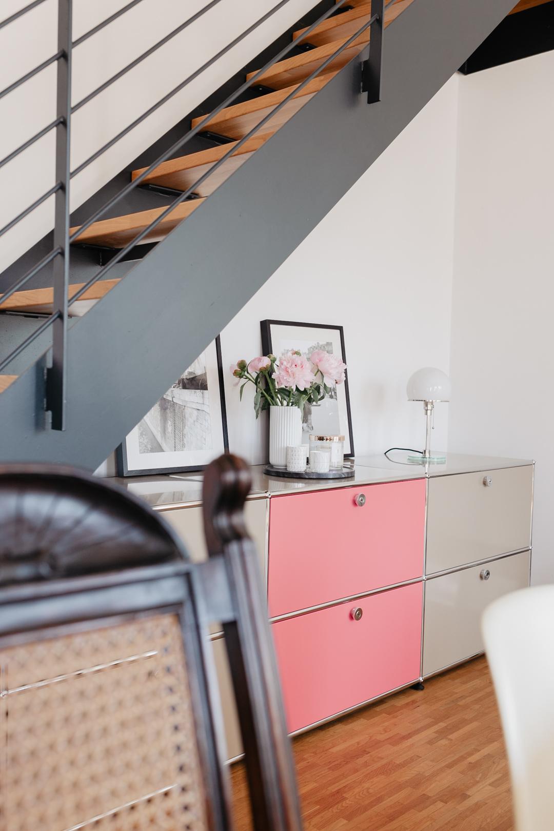 Designklassiker tifft Farbe – Bunte Tablare von swissmobilia für dein USM Haller Regal  // Pieces of Mariposa