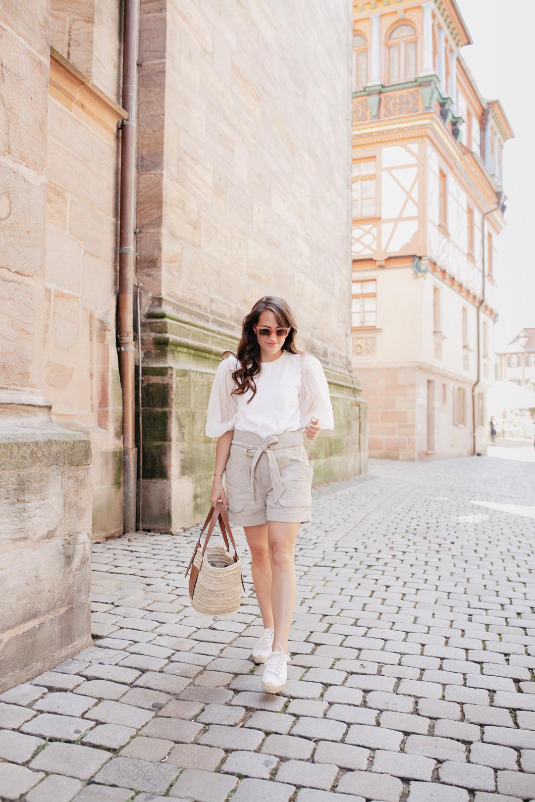 Outfit mit kurzen Shorts – So kombinierst du sie erwachsener // Pieces of Mariposa
