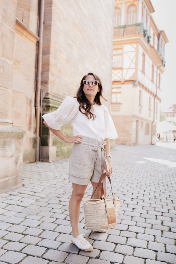 Mein Post Lockdown Outfit mit Isabel Marant Belize Shorts und Loewe Basket Bag