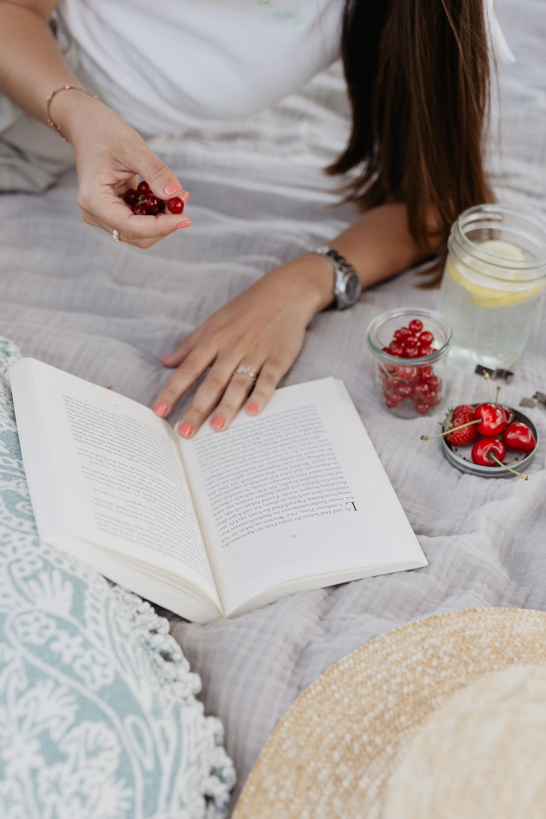 Buchempfehlungen: Diese 9 Bücher musst du unbedingt lesen - Pieces of Mariposa