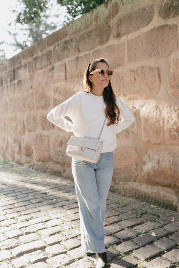 Outfit mit Chanel Travel Line 2.55