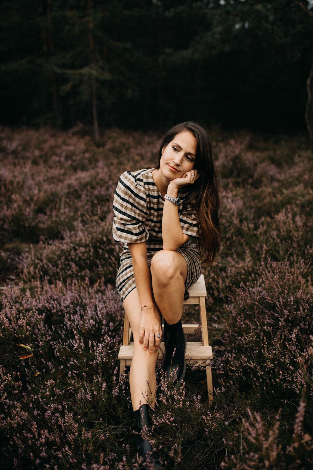 Herbstshooting, Outdoor Shooting mit Foto-Hintergrund, Selbstreflexion Corona, Positive Affirmation Corona
