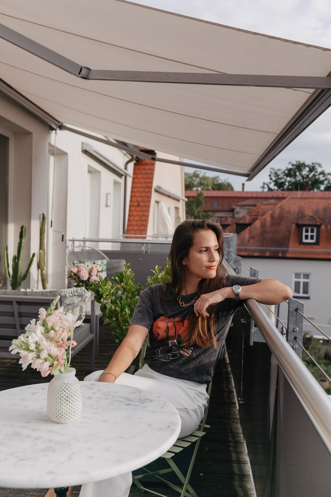 Balkonien 2020 – Unser Balkon im Loft | www.piecesofmariposa.com