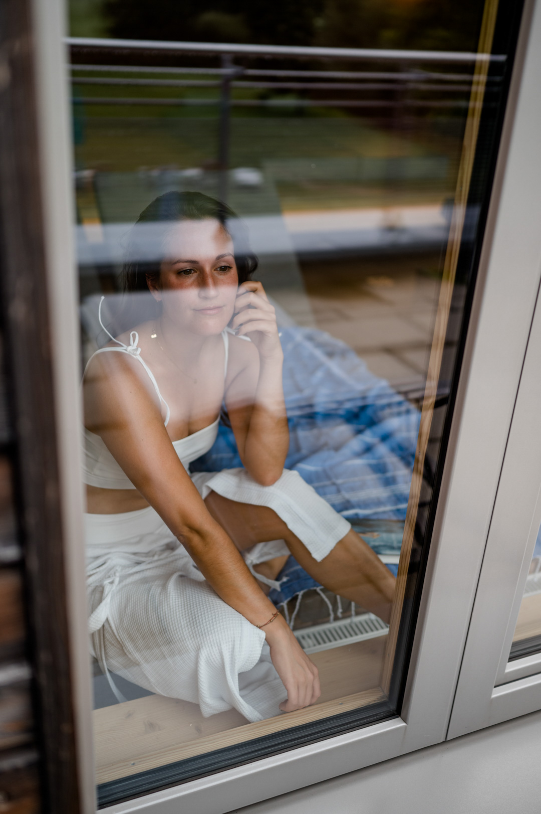 Momentan stellen sich viele die Frage: In den Ferien wegfahren, oder doch lieber daheim bleiben? Da ist so ein Tag in der Natur, samt kleiner Wanderung und ein anschließender Gang in die Sauna doch genau das Richtige, um abzuschalten. Denn das geht ganz easy in der Heimat. Für alle, die sich fragen, wie und ob Sauna in Corona-Zeiten überhaupt geht, habe ich einen ausführlichen Beitrag auf meinem Lifestyle Blog www.piecesofmariposa.com dazu verfasst.